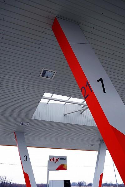 Copertina benzinarie. Luminatoare